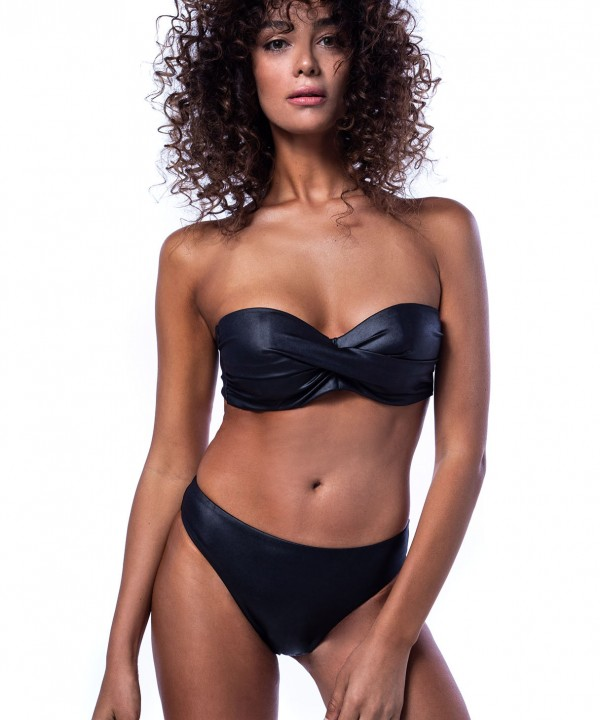 'LEATHER TOUCH' STRAPLESS BIKINI TOP IN CUP D